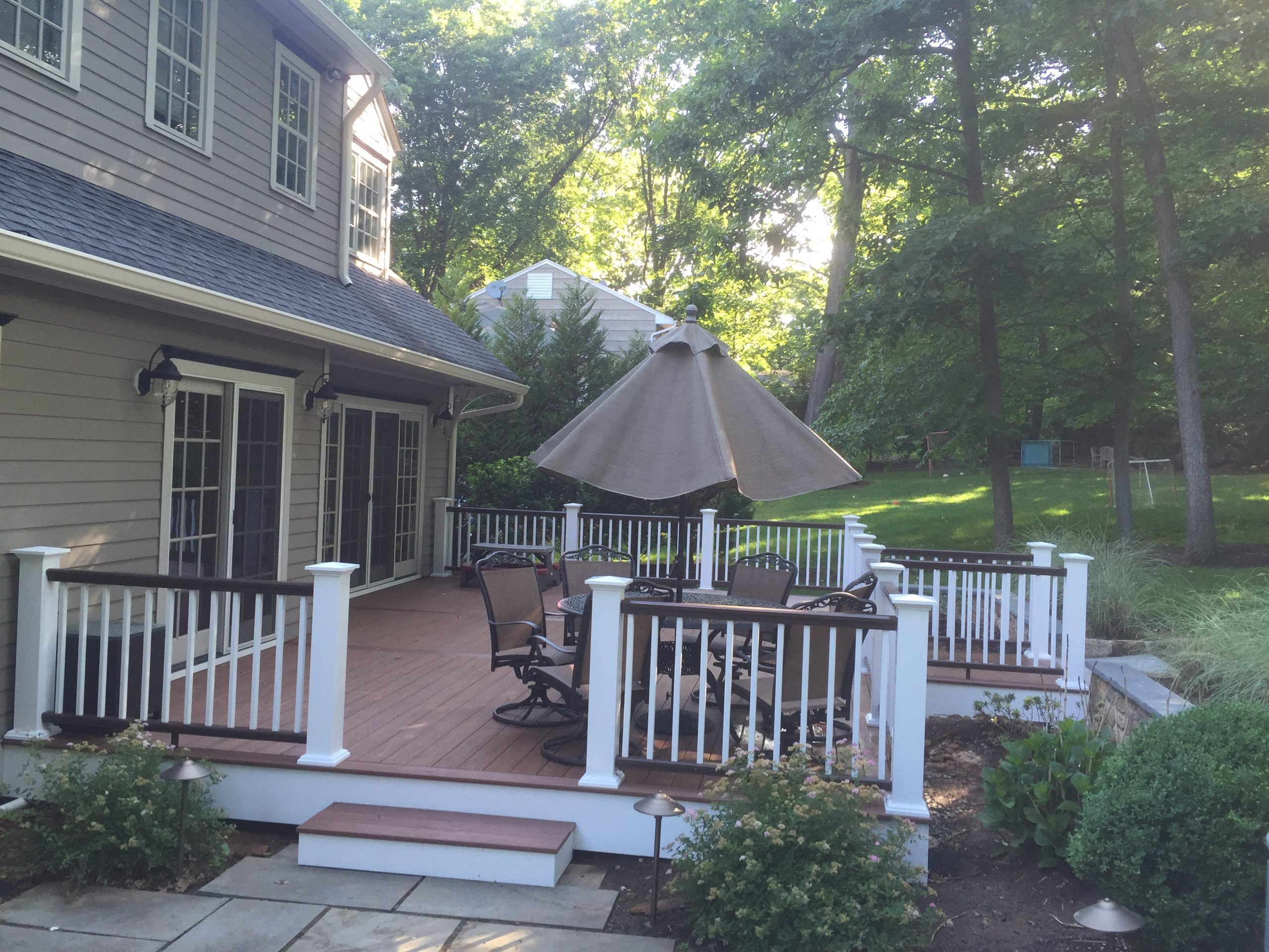 Deck Azek White Brown Combo in Chatham